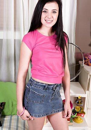Free Skirt Pics