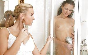 Free Shower Pics