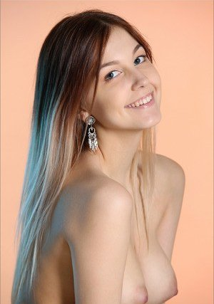 Free Nude Girls Pics